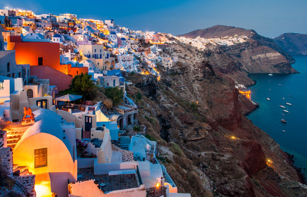 15-Santorini-Oia-Blauw-uurtje.jpg