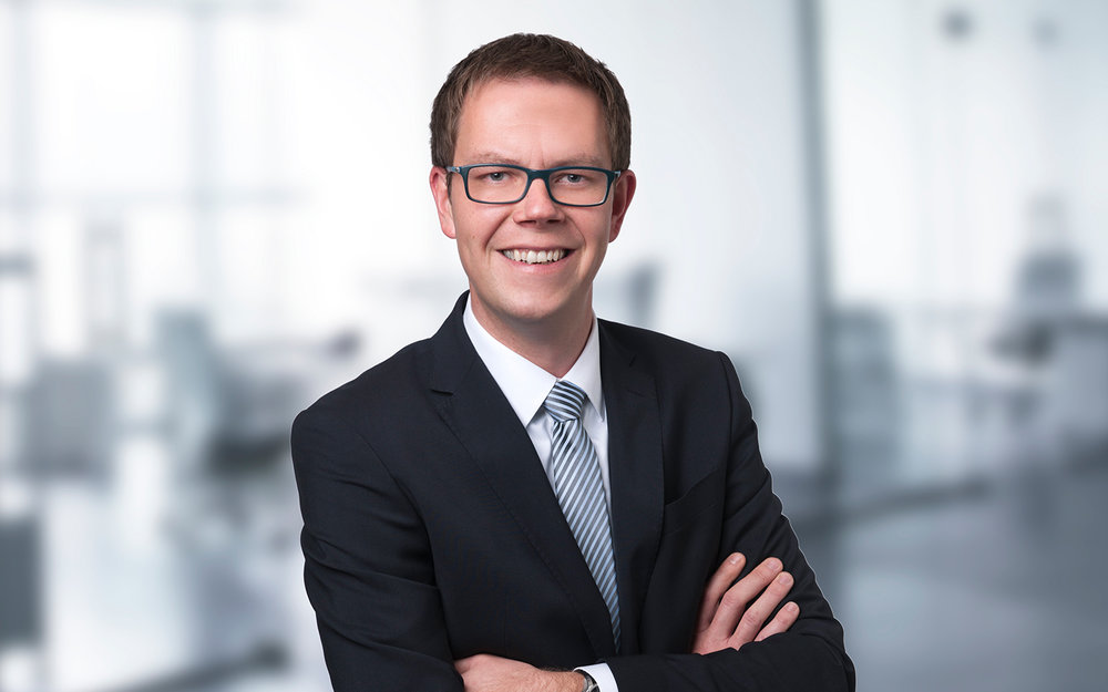 Martin Gruchow  Associate Partner MSc Industr. Engineering  In his 10+ year consulting track record in Switzerland, Europe and the UK, Martin wore many hats such as BPO turnaround manager or IT lead of a multinational core banking implementation. Despite these large scale management assignments, he never lost his profound interest and passion in getting behind banking's buzz, down to nut, bolt and screw.