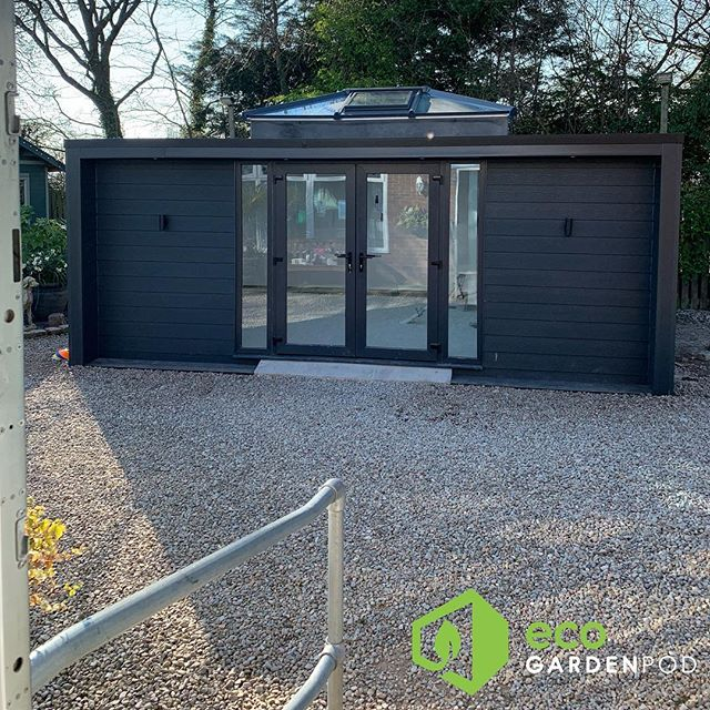 Anthracite Composite Cladding Definition model complete 🏡#escapeathome #cheshire #summerhouse #gardenpod #gardenroom #gardenrooms