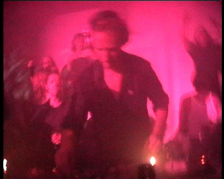 196 BPM Ein Film von Romuald Karmakar, Deutschland 2002, 62 Min Filmstill: DJ Hell, Gigolo-Night, WMF, Berlin, 2002. Episode: HELL AT WORK Photo © 2002 Pantera Film GmbH