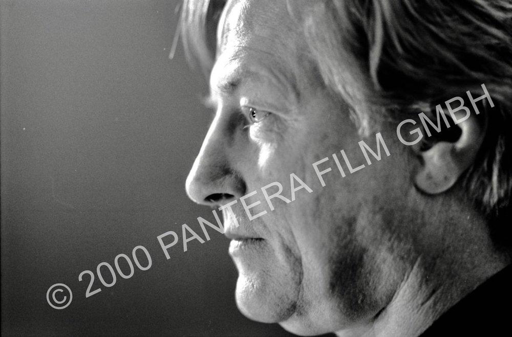 Ein Film von Romuald Karmakar, Deutschland 2000, 182 Min Dreharbeiten: Manfred Zapatka als Vortragender, München,1999. Vorlage für das DVD-Artwork Photo © 2000 Yvonne Kranz / Pantera Film GmbH