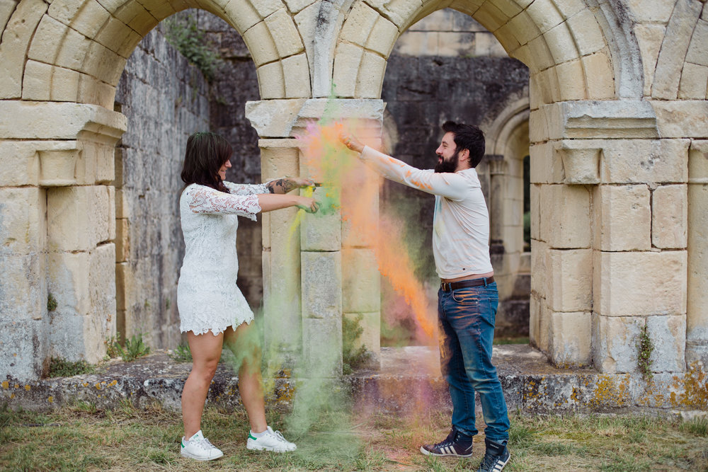 love story seance couple engagement coloré photographe Bordeaux Dordogne Pauline Maroussia P