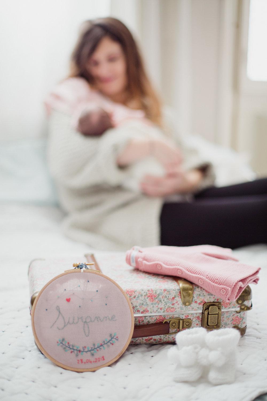 séance nouveau né bébé séance maternité cocooning maison bordeaux centre photographe Pauline Maroussia P