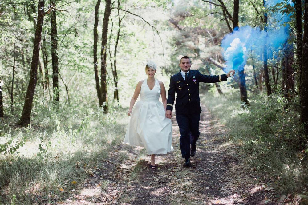 mariage_domaine_Esprit_Bellevue_dordogne_Aquitaine_Gironde_Photographe_PaulineMaroussiaP_BordeauxCentre_fumigene