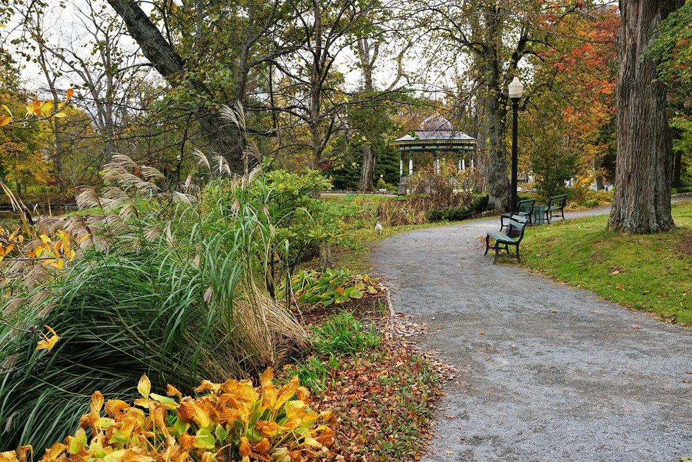 Public Gardens (image courtesy of Pixabay)