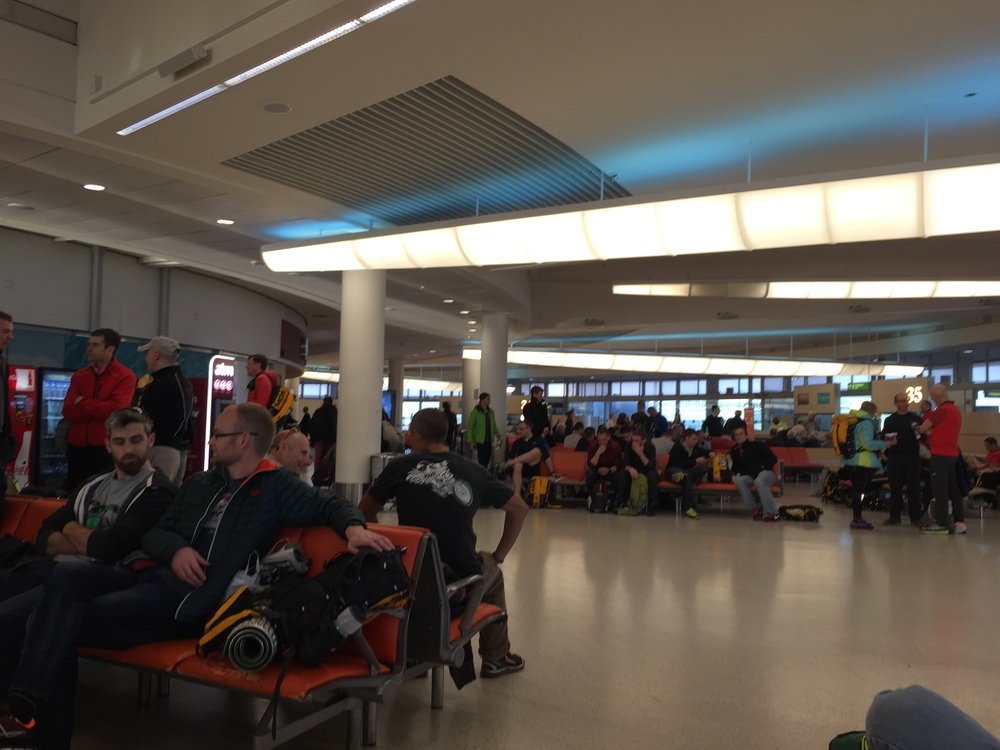 Gatwick full of MdS runners