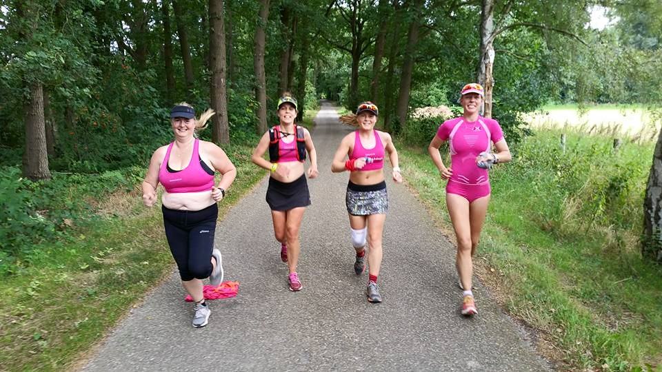 Running on a sore knee with Suzan, Rhianon and Lucja