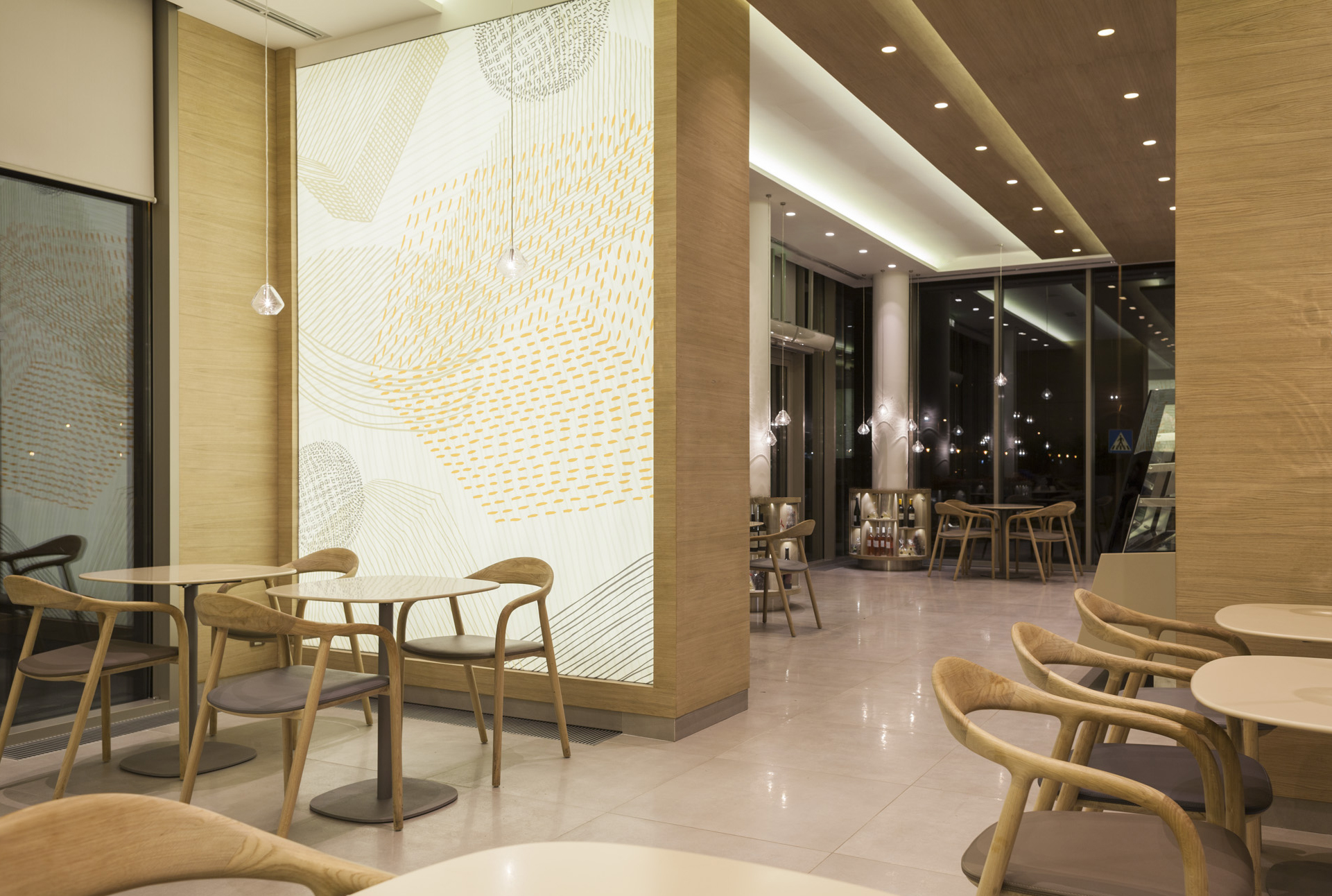 regular company — vincek café