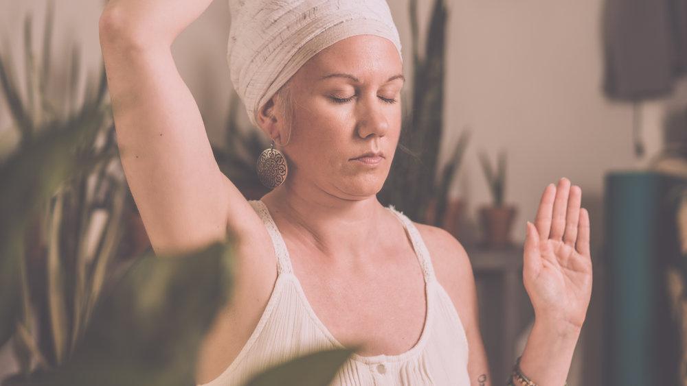 Yoga Kundalini - Le Yoga Kundalini, connu comme étant le yoga de la conscience, est une technologie puissante et dynamique qui est conçue pour vous donner une expérience de votre véritable Soi à travers les asanas (postures), les techniques de respiration et la méditation. Apprenez à harmoniser votre corps-esprit-âme pour une conscience plus élevée. Reconnectez-vous à votre force intérieure !