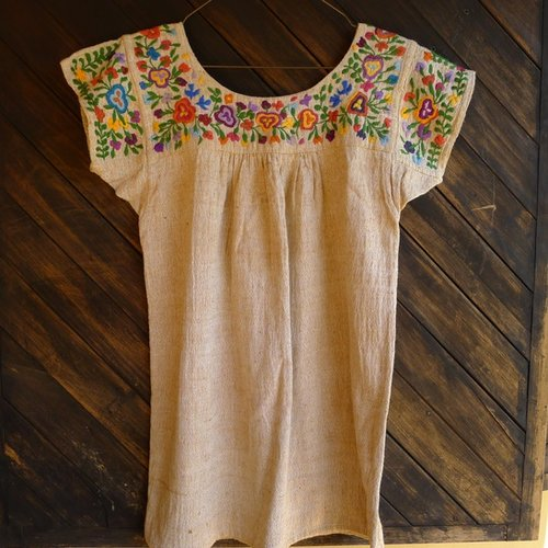 blusa bordado flores.jpg