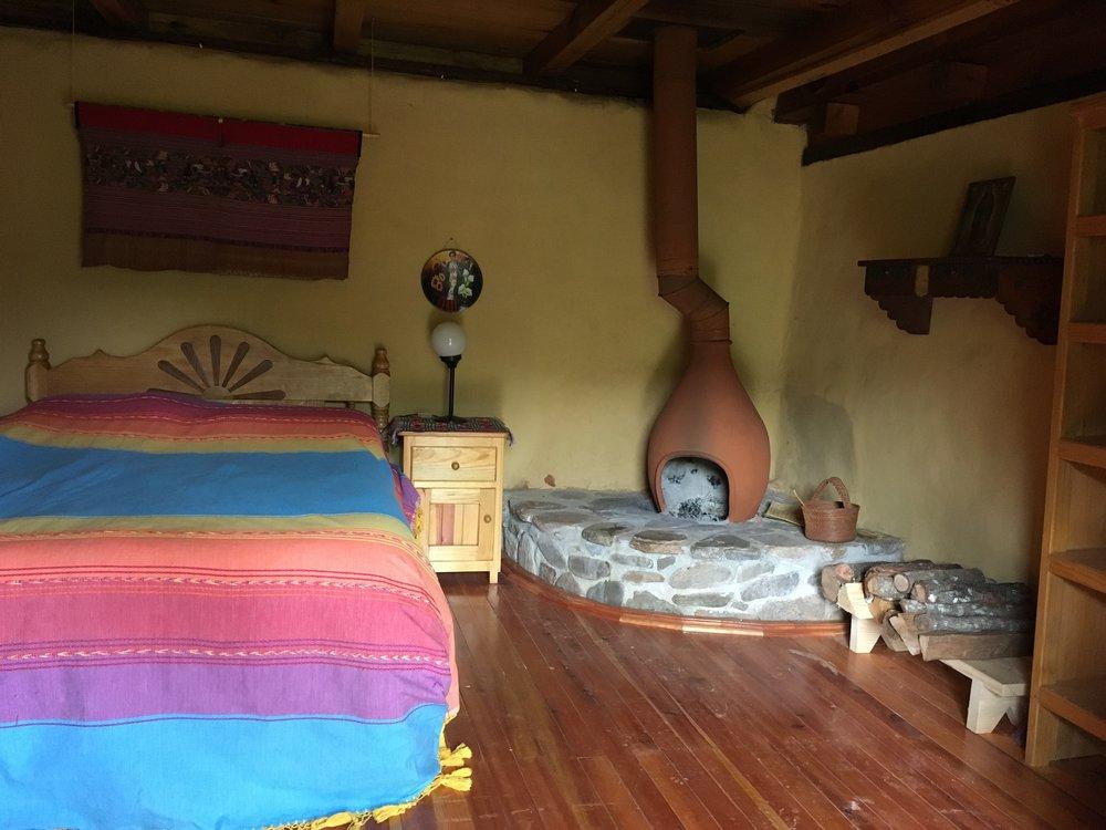 Cama matrimonialcon su propia chimenea y patio - 1-2 personas $650 pesoscama extra $100