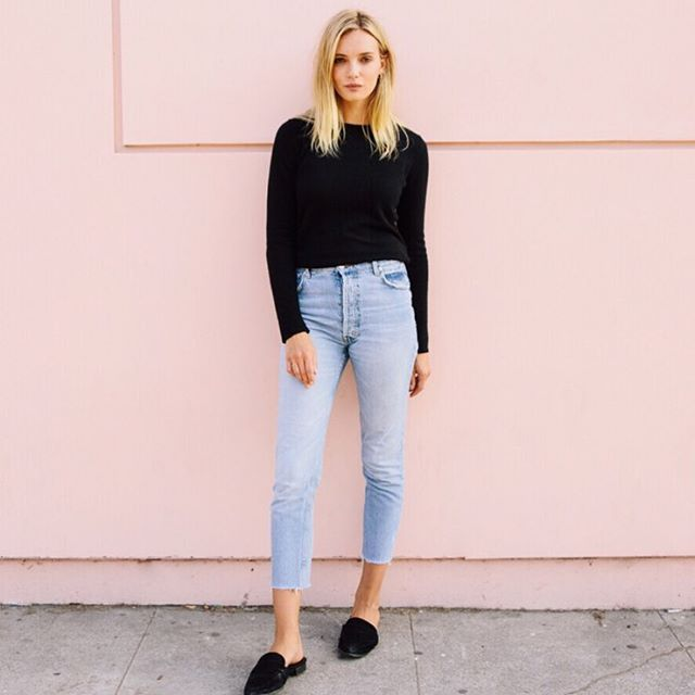 We always love a good pink wall 😍 and @juliag1308 wearing our Hanover super lightweight cashmere knit with pale blue denim ❤️ - - - - #cashmeresweater #blacksweater #giftcashmerethischristmas #pinkwall #LA #maxlainer #sweaterweather #saturdays #classiccashmeresweater  #wardrobestaple #losangeles #california #instastyle #ootd #outfitshare #christmasiscoming #outfitideas #whatiworetoday  #style #styleblogger #metoday #wiwt #wwd #closetessential #womensweardaily #LAstyle #styleblog #fashionblog #styleupdates #weekendstyle