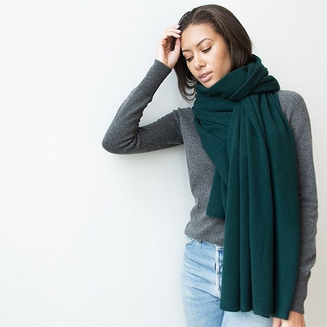 JUST ARRIVED ✨ Our signature cashmere wrap! A very generously proportioned knit, it's so cosy worn as a scarf or a wrap and this rich holly color is just dreamy! ❤️ - - - - #LA #maxlainer #justarrived #cosycashmere #cashmerewrap #cashmerescarf #instastyle #ootd #wiwt #wwd #closetessential #womensweardaily #LAstyle #styleblog #styleupdates #chic #holidayuniform #weekendstyle #fashion #weekenduniform #cashmere #luxuriouscashmere #instaluxe #holly #scarfseason #winterstyle #staywarmandcozy #winterstyle #lovelovelove