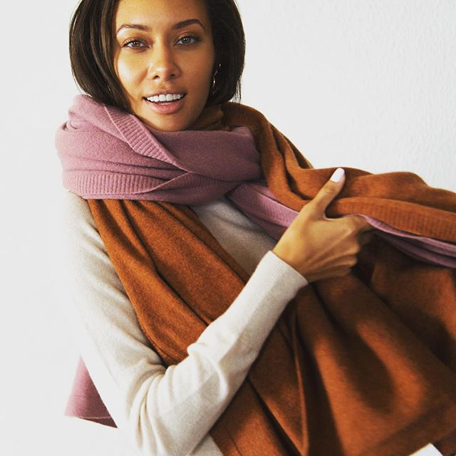 The perfect accessory to stay warm and cosy during this cold snap ❄️ Our new Signature cashmere wraps ❤️ - - - - #LA #maxlainer #justarrived #cosycashmere #cashmerewrap #cashmerescarf #instastyle #ootd #wiwt #wwd #closetessential #womensweardaily #LAstyle #styleblog #styleupdates #chic #holidayuniform #weekendstyle #fashion #weekenduniform #cashmere #luxuriouscashmere #instaluxe #holly #scarfseason #winterstyle #staywarmandcozy #winterstyle