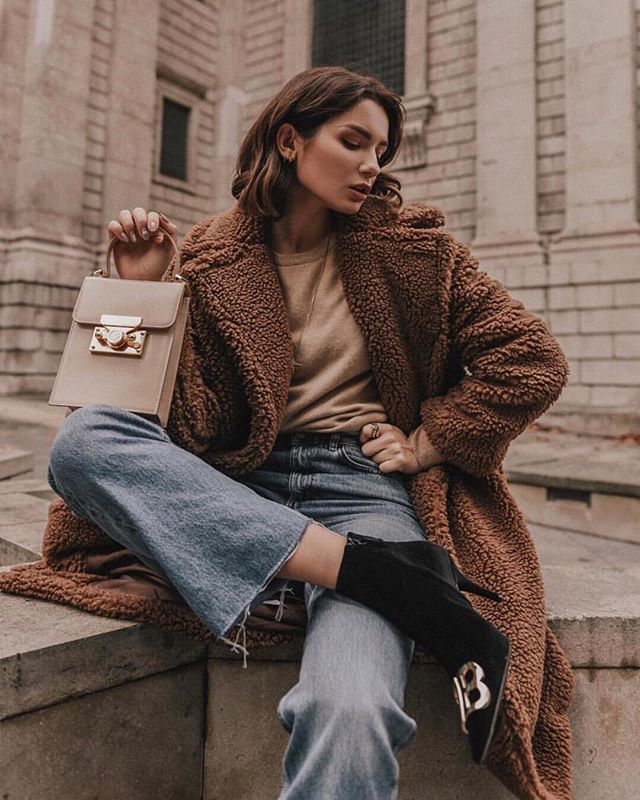 The lovely @lolitamas in our Compton cashmere knit in light camel paired with our favourite trend this winter - The Teddy Bear coat! 🐻❤️👏🏻 - - - - - #MaxLainer #styleinspo #style #luxury #fashion #instadaily #casualcool #cozy #cashmere #ootd #wiwt #scottishcashmere #coldsnap  #todayimwearing #styleoftheday #stylegram #styleperfection #whatiwore #knitwear #outfitgoals #outfitdetails #dailyoutfit #styleideas #winterstyle #fashioninspot #fashionblogger #fashioninfluencer #londonstyle #teddybearcoat