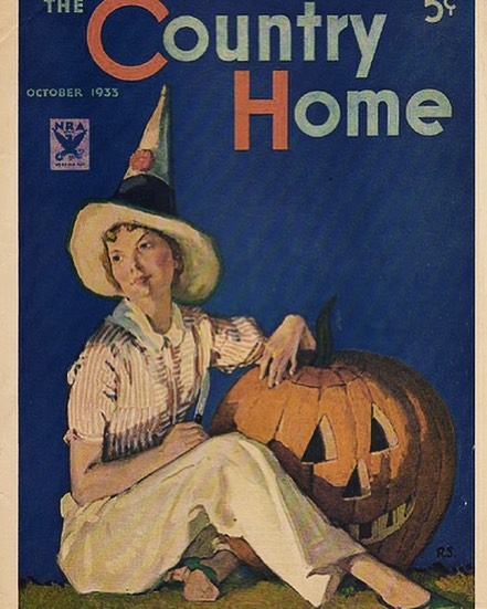 Happy Halloween! #halloween#pumpkincarving#witcheshat#pumpkins#trickortreat#growyourown#vintagemagazine #countryhome