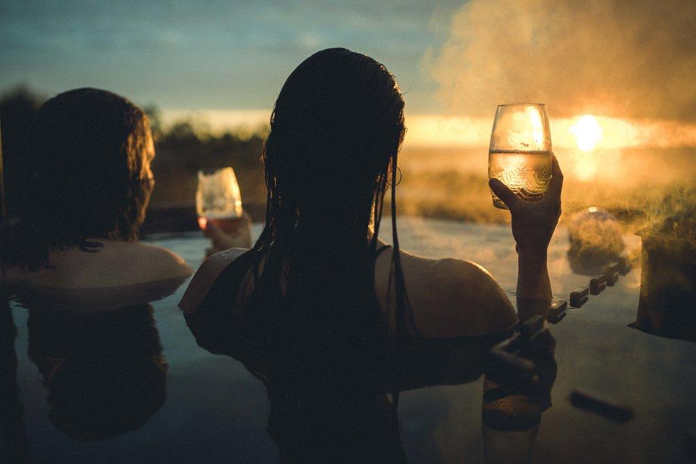 Lugar increíble, momento preciso, buenos modelos, el vaso brilla con el sol. El Lifestyle cobra vida #GreenGlassLife foto por @titahost