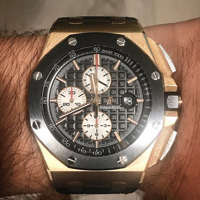 Nice understated daily wear for any occasion @audemarspiguet #audemarspiguet #royaloakoffshore #dailywatch #watchesofinstagram #watchporn #wristcandy #watchoftheday #watch #luxury #horology
