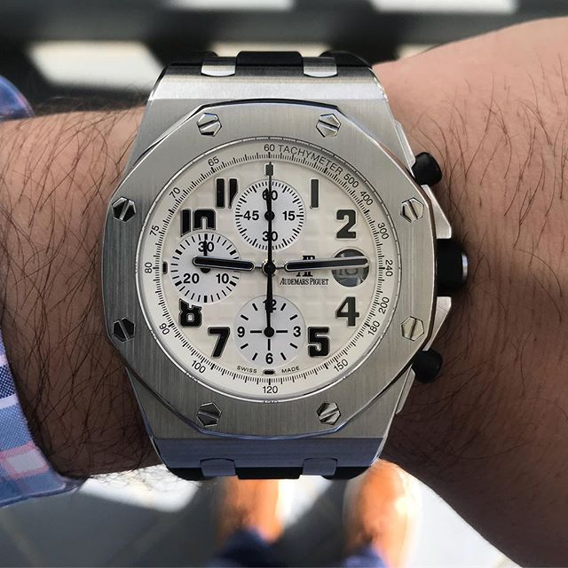 AP safari chronograph, my watch of the week. #audmarspiguet #royaloakoffshore #watch #wristcandy #watchgeek #watchporn #watchgang #luxurywatch #horology #chronograph