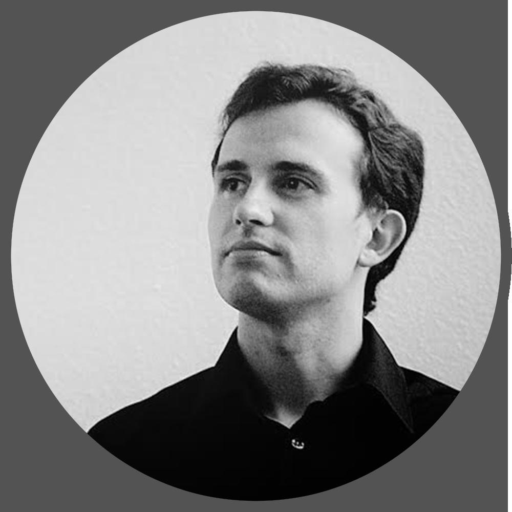JUAN CARLOS MOSTAZA ANTOLÍN (PROPIETARIO LACATEDRAL ANIMATION STUDIO y PROFESOR EN LA UNIVERSIDAD SAN PABLO CEU - Madrid)   Juan Carlos es ingeniero en informática y doctor en Comunicación Audiovisual. Comenzó en el mundo de los gráficos generados por ordenador creando su primer corto, el cual fue galardonado internacionalmente. En la actualidad es socio fundador de la empresa de animación 3D  LaCatedral Animation Studio .  Su experiencia abarca desde la postproducción publicitaria (en ocasiones también como director) al desarrollo de series de animación en 3D para niños.