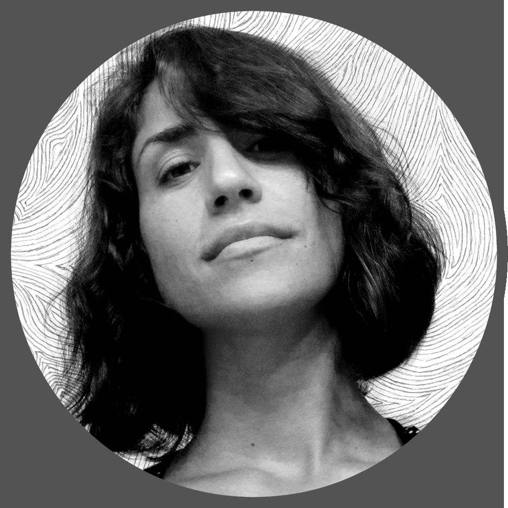 """CARMEN CÓRDOBA (ARTISTA FREELANCE)   Autora en la editorial  Ra-ma  de más de 30 manuales sobre software de diseño gráfico y artista freelance para diversos clientes. Desde 2015 ejerce como CMO (Chief Marketing Officer) en la empresa de robótica  TheCorpora .  En enero de 2012 decidió hacer un cambio en su carrera profesional y dedicarse a lo que verdaderamente le apasiona: contar historias a través de la animación.  Se trasladó a Barcelona para estudiar Animación de personajes en PepeSchoolLand, escuela que ha apadrinado su primer cortometraje de animación """"Roberto"""". El proyecto acaba de entrar en fase de producción y estará finalizado en verano de 2018."""
