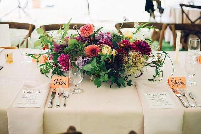 The lushest, most whimsical garden centerpieces  Photo by @fyrelitephotography  #customfloral #slowflowers #locallygrown #seattlebridemag #gardencenterpieces  #weddingflowers #kitsapflorist #floraldeasign #whimsical #magic #gardenflowers #pnw #pnwbride #pnwweddings #bainbridgeisland #seattlebride