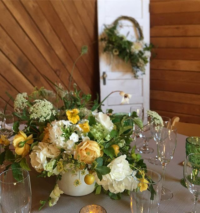 For a late summer rehearsal dinner at the gorgeous @heydayfarmhouse everything I used was grown on the island ✨✨✨ David Austin garden roses, phlox, nasturtium, golden plum, Queen Anne's lace, limelight Hydrangea and fennel ✨✨✨ #localflowers #floraldesign #slowflowers #hyperlocal #bainbridgeisland #bainbridgeflorist #seattlebridemag #destinationwedding