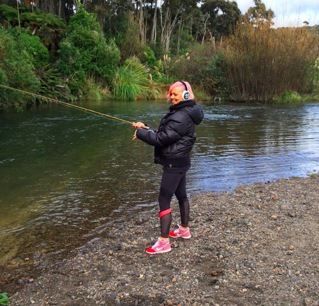 Sarah at Hatepe giving flyfishing a go in her supercute sportsware :)