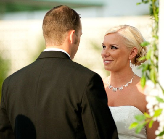 wedding vows - post on wedding vows, to keep traditional or write your own - grace and serendipity