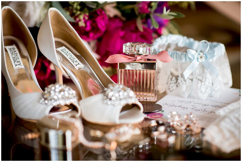 Aislinn Kate Photography - Badgley Mischka wedding shoes - wedding details