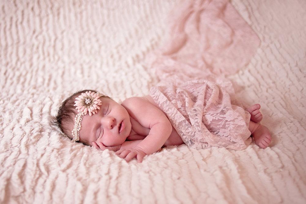 McKenna Newborn-Print Ready-0003.jpg