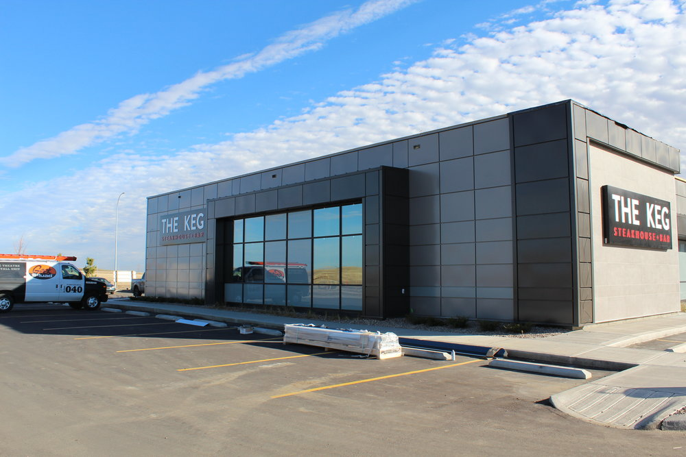 THE KEG (Medicine Hat)  – Lenmak Exterior Aluminum Panels and trims – powder coated specifically with Keg custom colors.