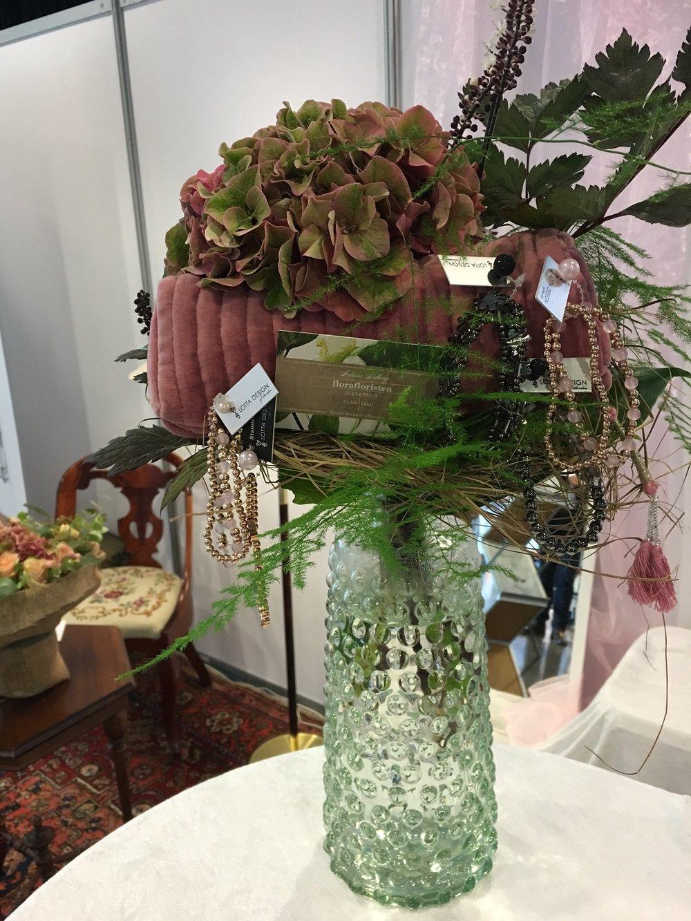 Tack Florafloristen för den vackra buketten till vårt bord. Fick mycket beröm för din kreativitet.