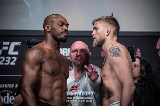 Tonight our warriors @alexthemauler and @ilirlatifi go to war with a whole country behind them 🇸🇪 Photo by @photographyviking for @mmaviking 📸