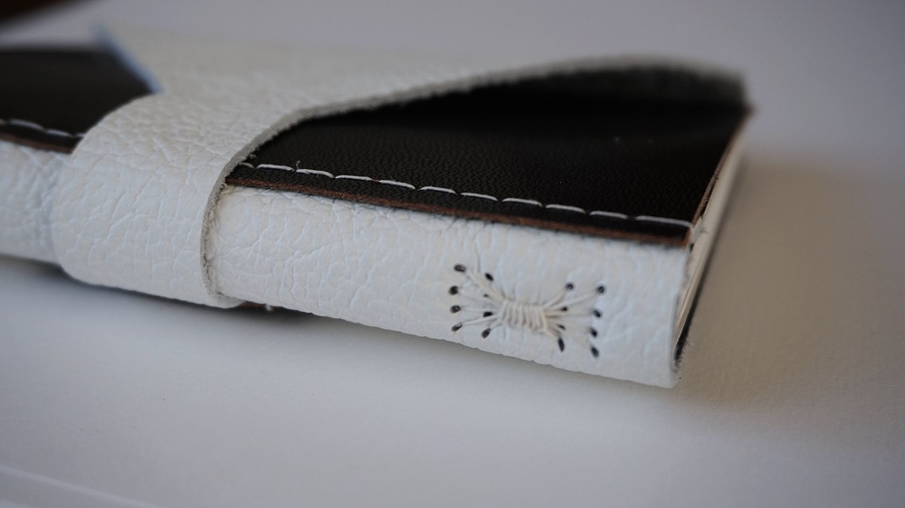 A detail of the sewing of this different structure. No glue is used in these bindings. They are based upon historic bindings found in Tallin.