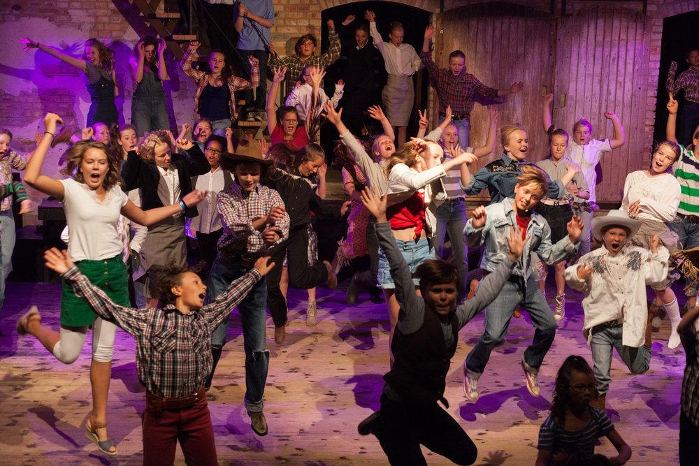 Scen Österlen's barngrupp ger i år musicalen Footloose