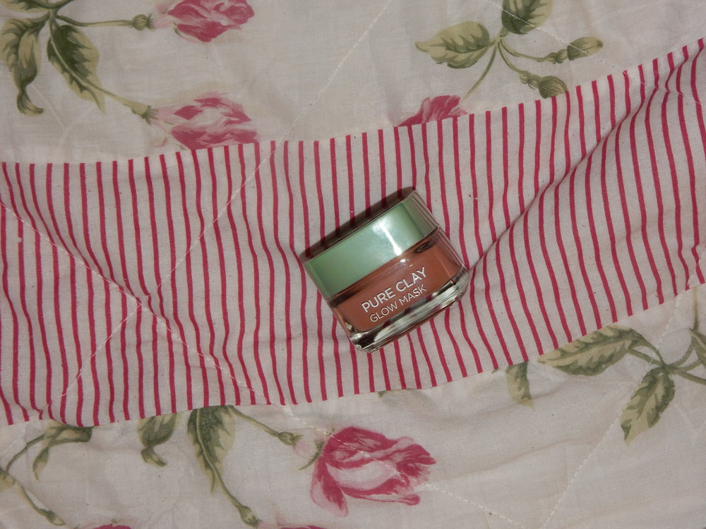 beauty blogger reviews loreal pure clay glow mask