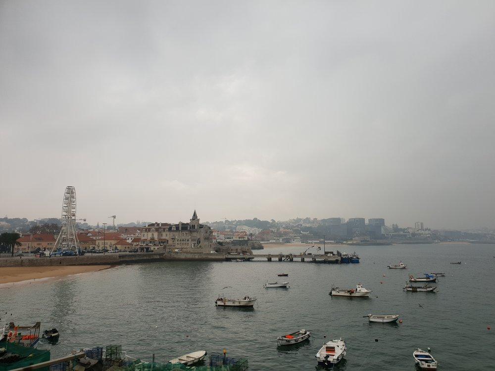 travel blogger explores cascais portugual