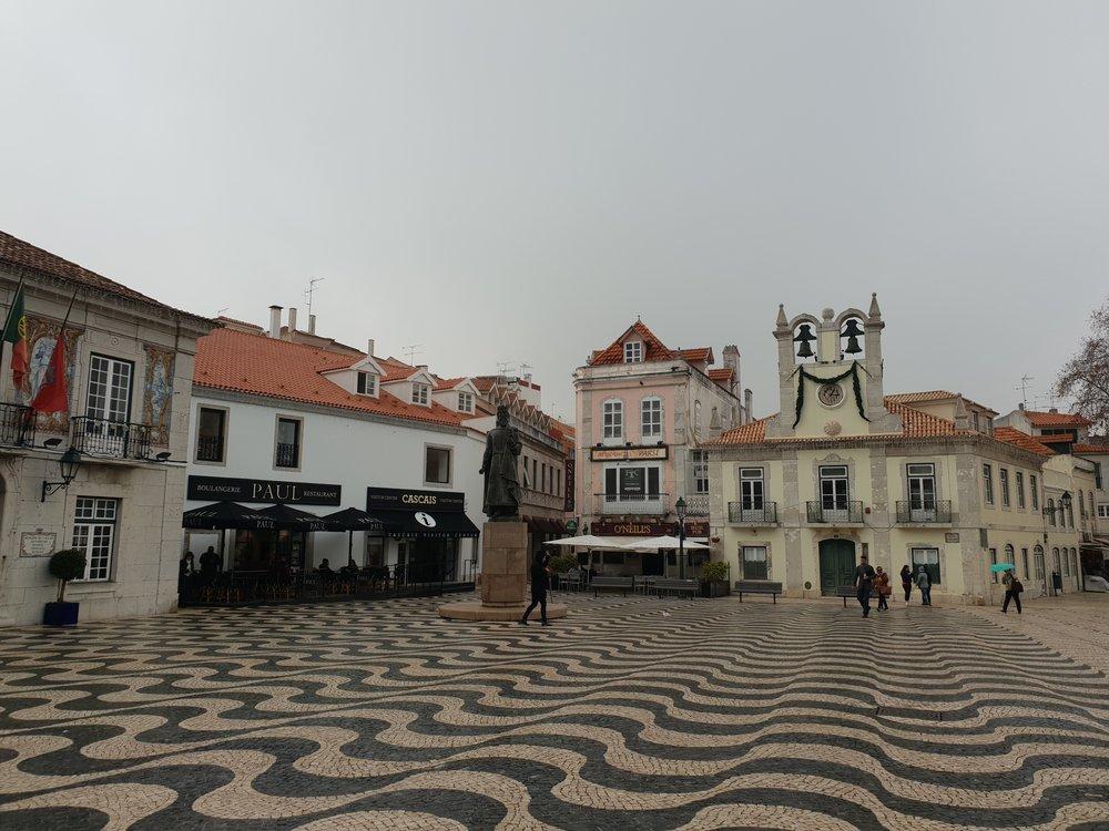 travel blogger explores cascais portugal