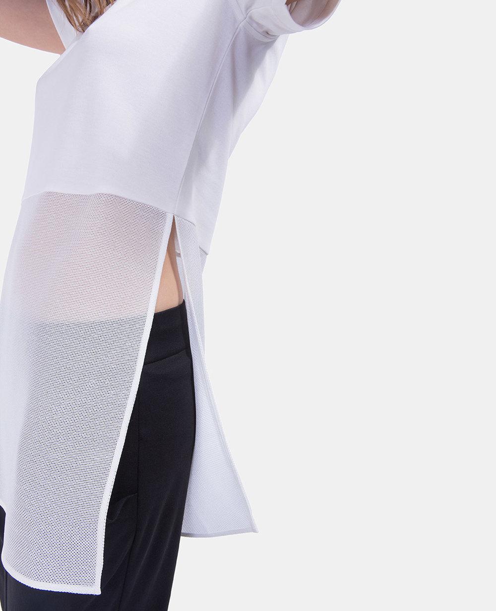 kalila-ekt0119-white-detail-sideslit-tshirt-shortsleeve-mesh.jpg