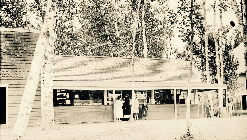 The old Lakewood store and open air lunch counter, which existed long before The Shanty.