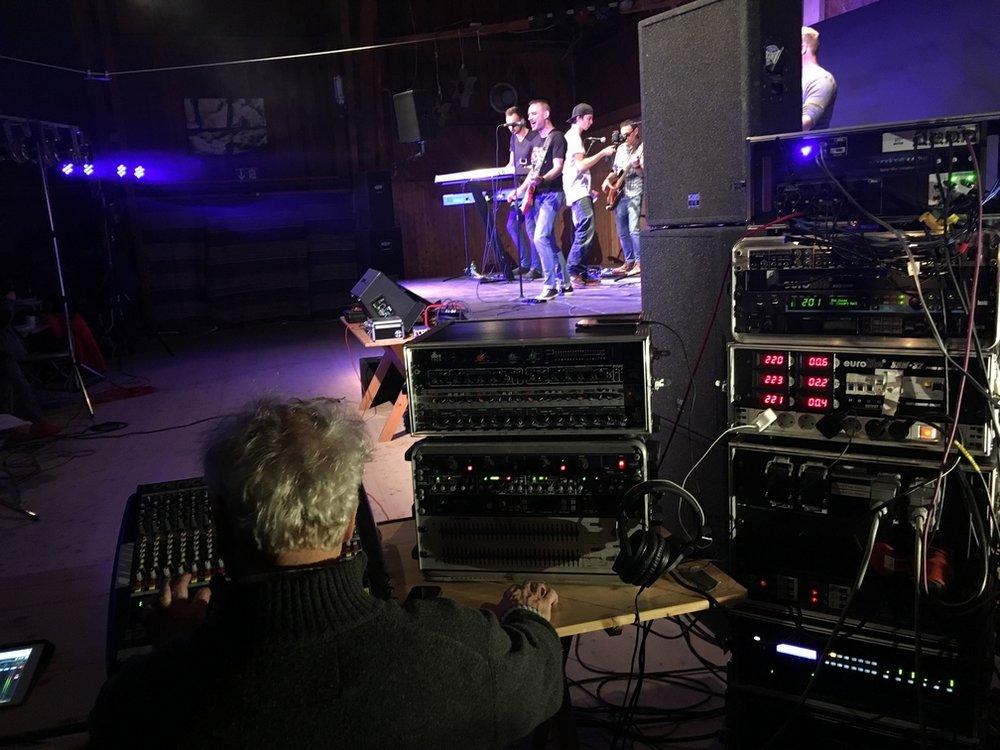 Nevershire live 2016 - Copyright nevershire.com (8).jpg