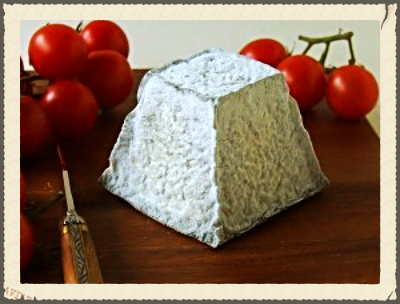 . Photo courtesy of http://www.fromages.com/en/fromage/55-valencay