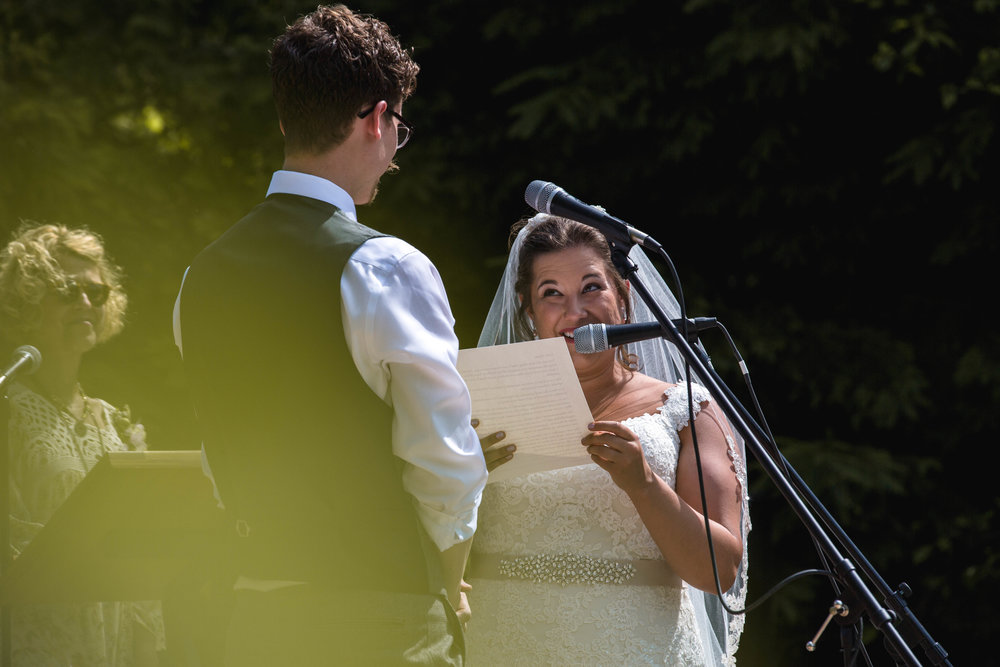 A Professional Photographer Needs To Be Able Handle Anything On Your Wedding Day