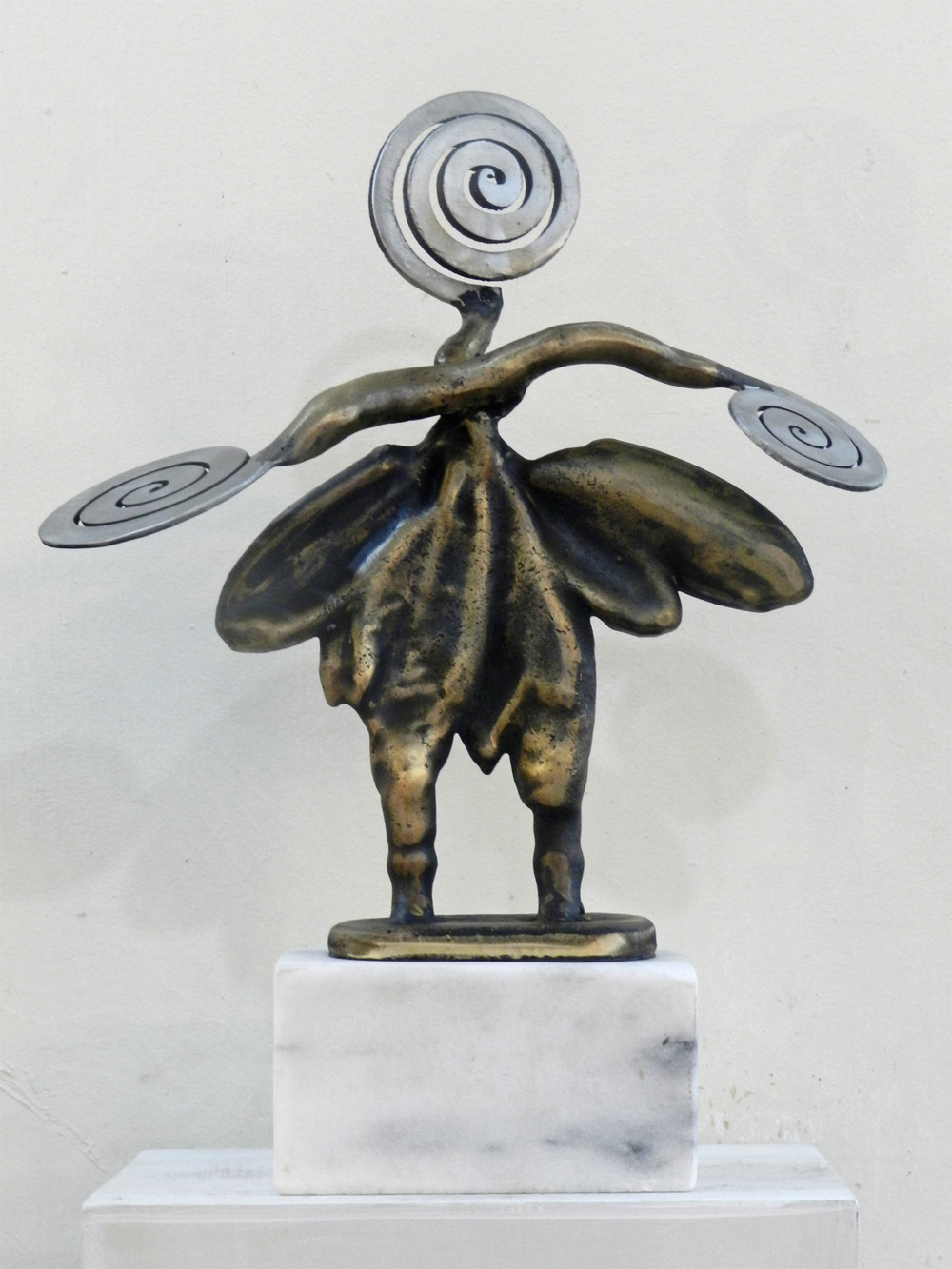 12 Moth Queen 01.jpg