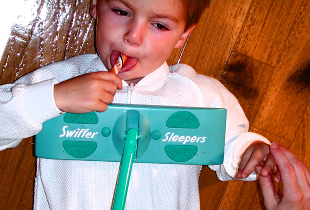swiffer sleepers kid for SNL