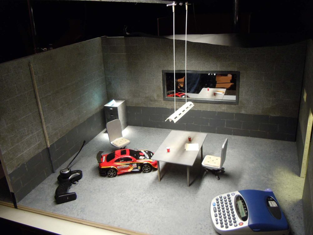 Miniature interrogation room - technology hump