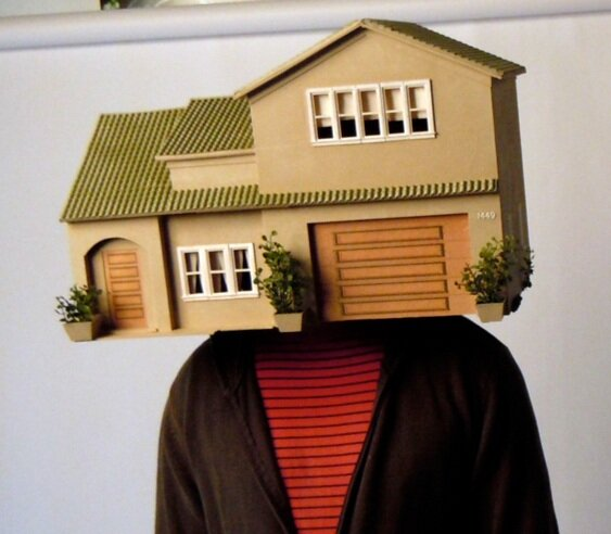 Miniature house mask