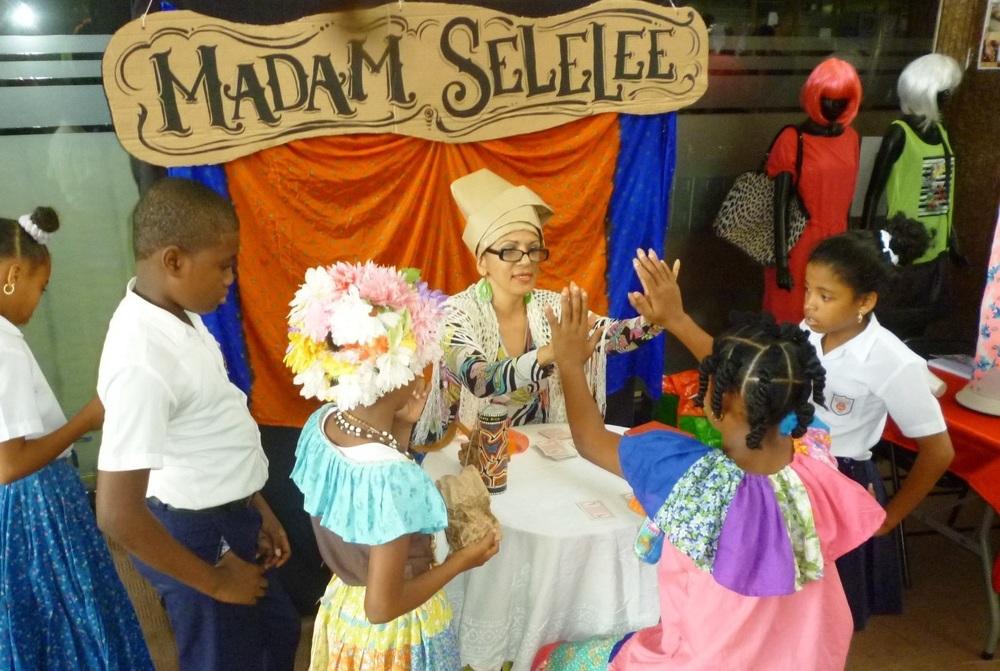 Madam Selelee-Ediciones Pelo Malo