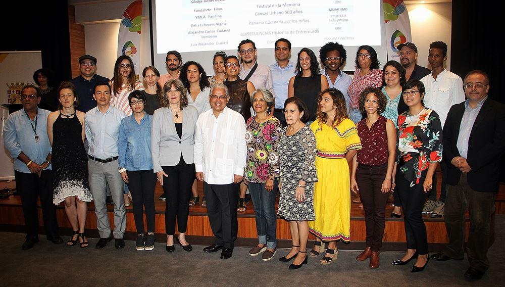 """Teatro Carilimpia gana El """"Fondo Panamá ciudad de 500"""" años el cual forma parte de las actividades que impulsa la Comisión de los 500 años, la Alcaldía de la ciudad capital y el Programa de Naciones Unidas para el Desarrollo (PNUD), en el marco de la celebración del nacimiento de la primera ciudad fundada por los españoles en el litoral Pacífico, el 15 de agosto de 1519. https://mupa.gob.pa/noticias/el-fondo-panama-ciudad-de-500-anos-anuncia-los-12-proyectos-ganadores-de-su-segunda-convocatoria"""